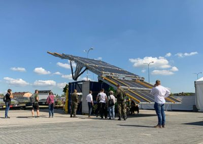 solar-container-mobile-mspo-2019-2-mobile-power-moveit-tech
